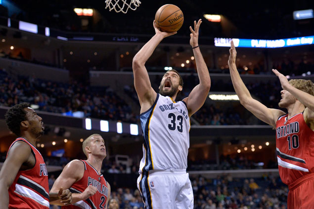 Grizzlies claw back from 14 points down to beat the Blazers, stretch win run to five