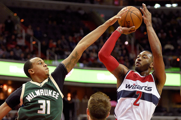 Wizards rally late to beat Bucks for second straight win
