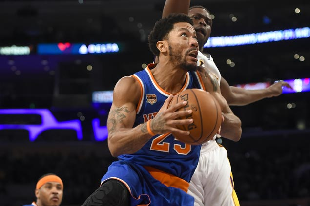 Kristaps Porzingis shines, Derrick Rose nails dagger as Knicks add to woes of slumping Lakers