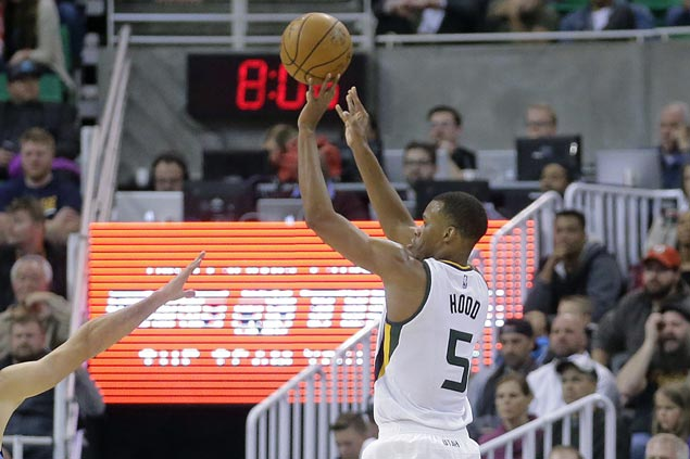 Rodney Hood stars as Jazz crush Thunder in wire-to-wire victory