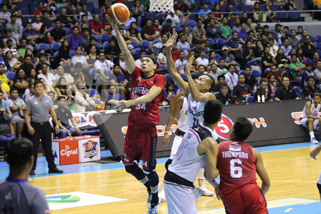 Chris Ellis reminds Ginebra fans what he's capable of doing when healthy