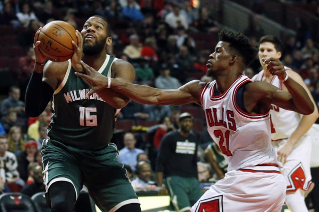 Bucks complete sweep of home-and-home against Bulls with 26-point rout