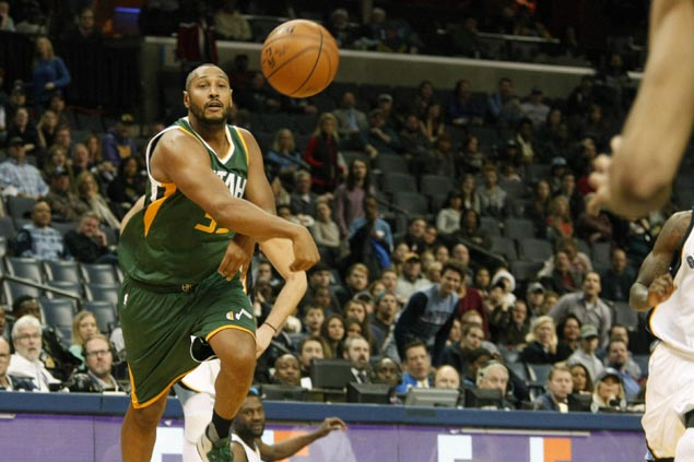 Jazz finish strong to beat Grizzlies for fourth straight victory