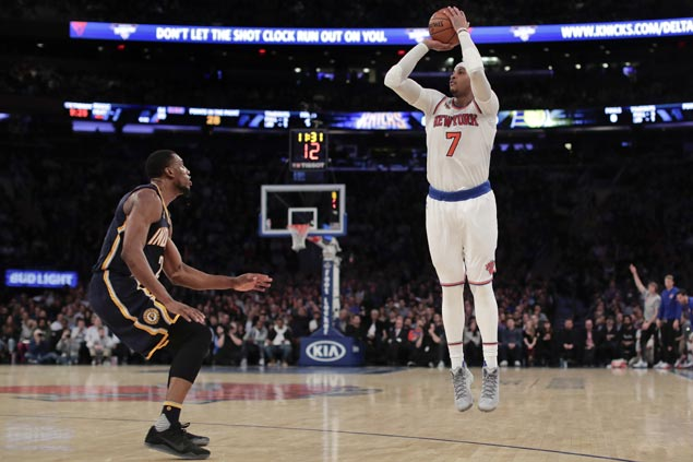 Carmelo Anthony catches fire from deep in second half to lead Knicks' comeback over Pacers
