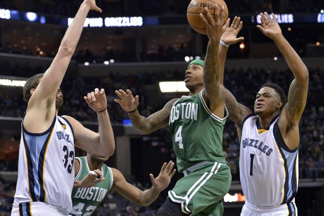 Isaiah Thomas drops career-high 44 as Celtics overcome cold start to outlast Grizzlies in OT