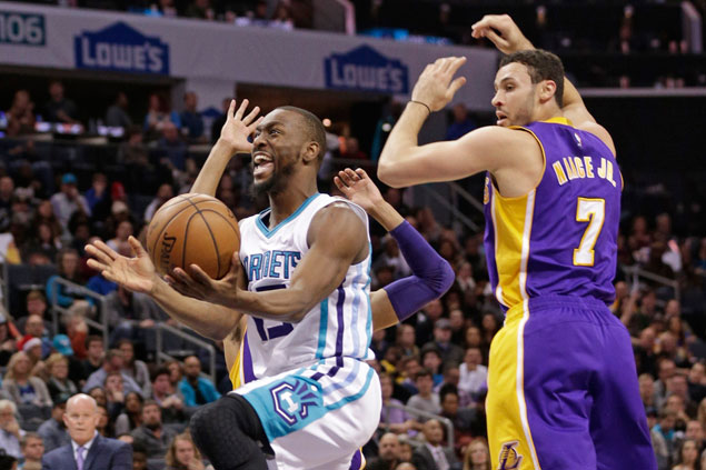 Hornets fight back from 19 points down to beat Lakers for second straight win