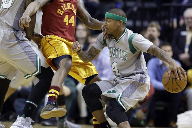 Isaiah Thomas takes over in the fourth as surging Celtics fend off skidding Pacers late rally