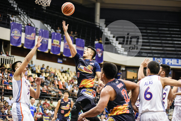 Rain or Shine shows NLEX how Yeng Guiao's offense is done