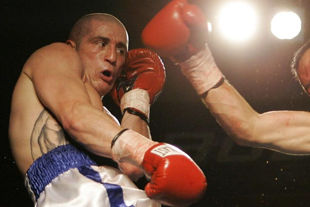 Ex-boxing champ Paul Spadafora arrested for stabbing brother, threatening to kill cops