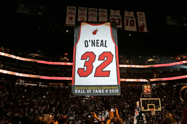 Miami Heat pay tribute to Shaquille O'Neal with over-the-top jersey retirement