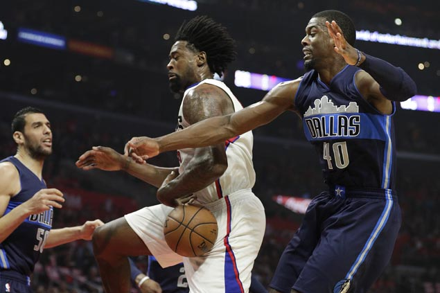 Harrison Barnes sinks game-winner as Mavs stun Clippers to welcome back Dirk Nowitzki with a win