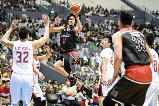 Mahindra makes Christmas more special by winning first game of season at Blackwater's expense