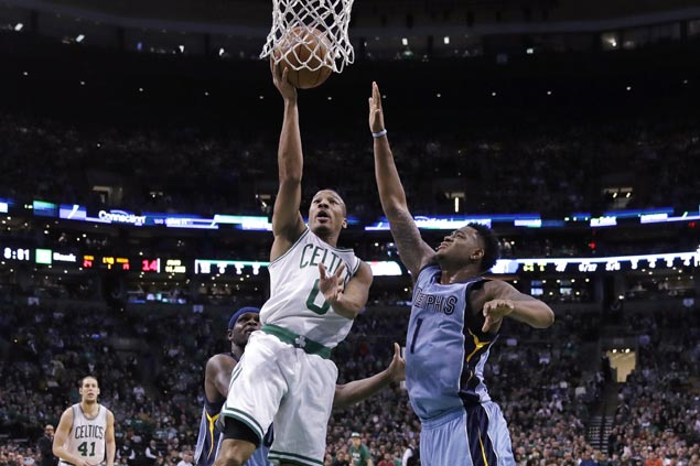 Avery Bradley shows way as Celtics hold off Grizzlies for second straight win
