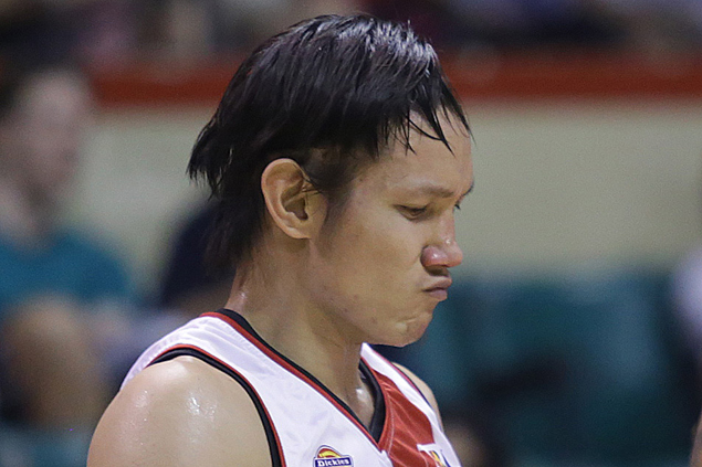Alex Cabagnot suffered 'depressed nasal fracture,' surgery yet to be ruled out