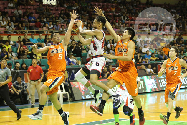 Hot-starting San Miguel ends year at the top after mauling skidding Meralco