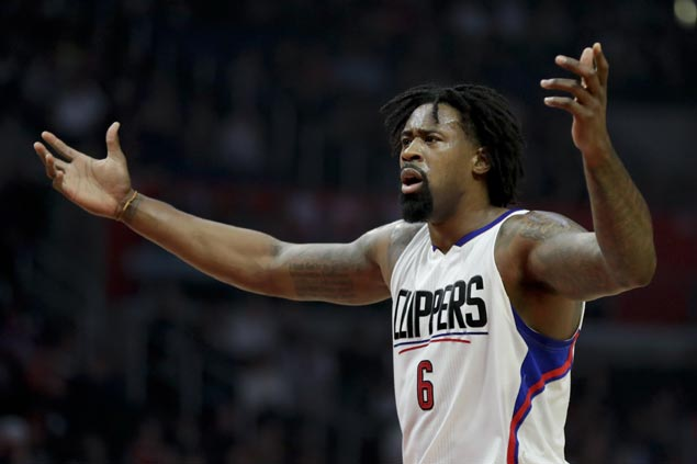 Clippers' DeAndre Jordan unhurt, one person hospitalized after car accident in LA