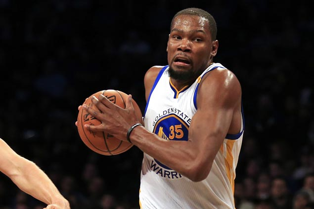 KD posts first triple-double as a Warrior in rout of lowly Mavericks