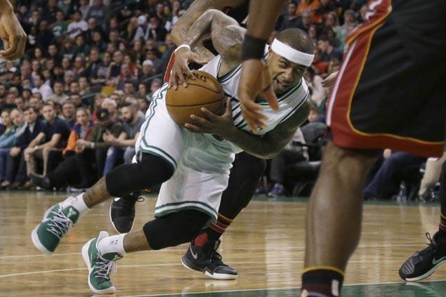 Isaiah Thomas torches Heat for career-high 52 as Boston deals Miami fourth straight loss