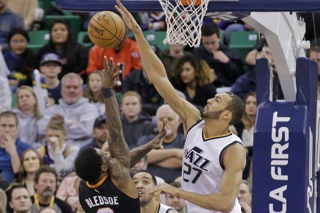 Gordon Hayward, Rudy Gobert power late Jazz rally to beat Suns