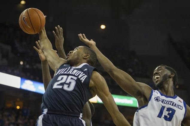 No. 1 Villanova deals Creighton first loss as Kobe Paras yet to see action in Big East play