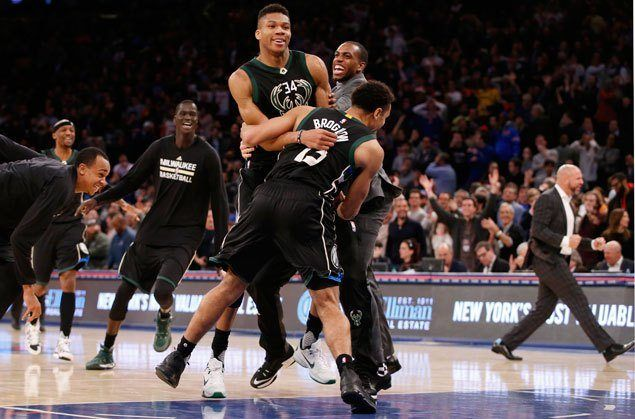 Giannis Antetokounmpo hits buzzer-beater to cap Bucks wild rally over Knicks
