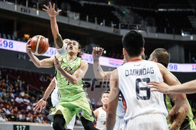 GlobalPort avoids another meltdown, holds off Meralco behind Romeo, Quinahan baskets