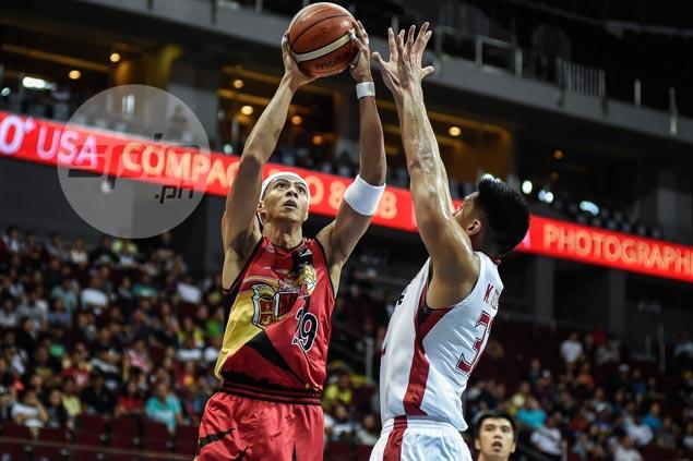 Blackwater should go to prized rookie Mac Belo more, says fellow FEU alum Arwind Santos