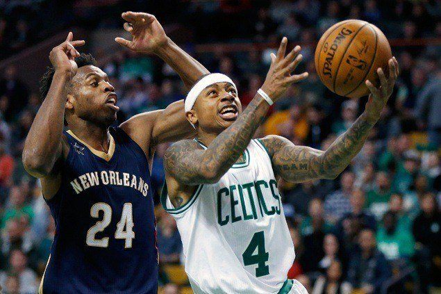 Isaiah Thomas scores 38 to power Celtics past skidding Pelicans
