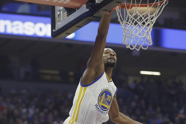 Warriors erase early 16-point deficit to beat Kings and get back on winning track