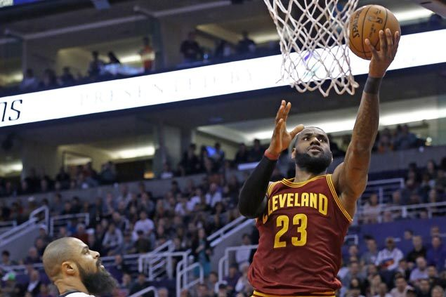 Big Three take care of business as Cavs down Suns while waiting for Kyle Korver clearance