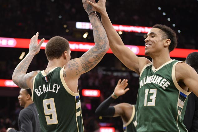 Malcolm Brogdon hits go-ahead triple, Mike Beasley drops season-high 28 as Bucks stun Spurs