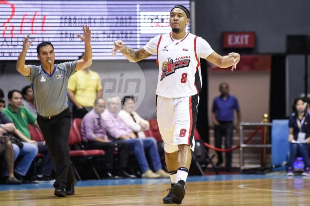 Pain no barrier as Calvin Abueva rises from bad fall to put final touches to Alaska win