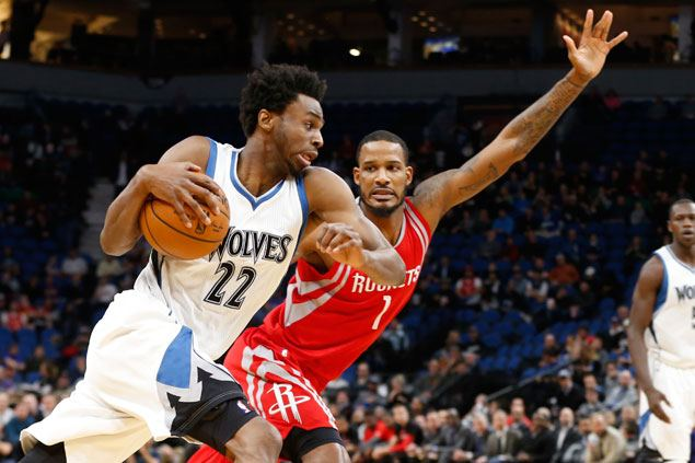 Timberwolves use balanced offense to end Rockets' win streak at nine
