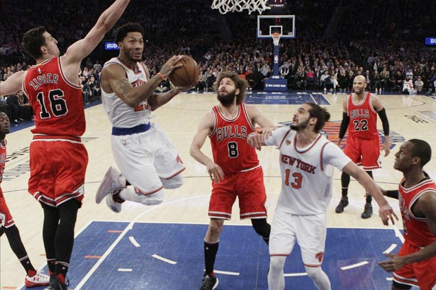 Knicks bounce back behind inspired play from Rose, Noah against their former Bulls team