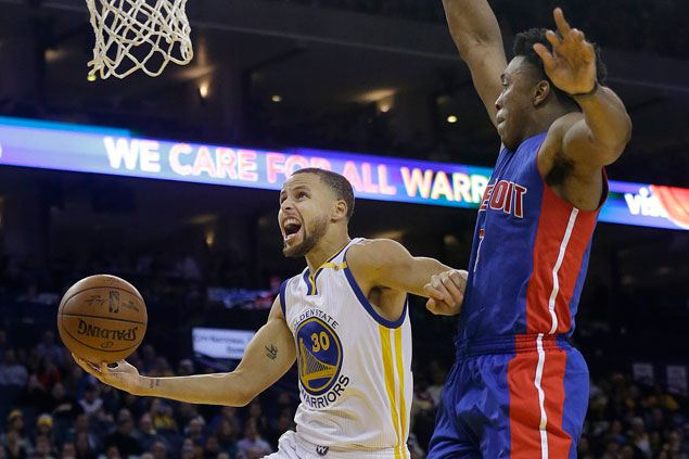 Warriors catch fire in the third to pull away with 20-point romp over Pistons