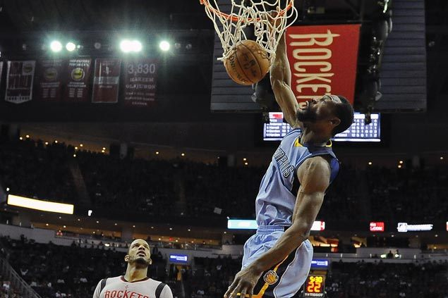 Grizzlies fight back from 15 down to beat suddenly skidding Rockets