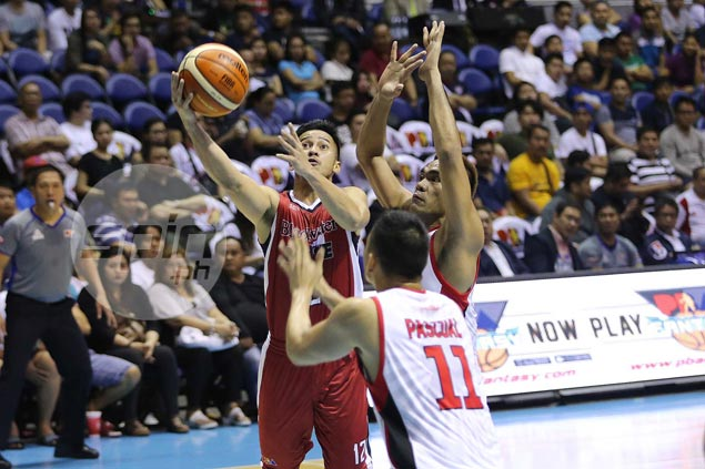 Super-sub Roi Sumang delivers biggest blows as Blackwater stuns Alaska in thriller