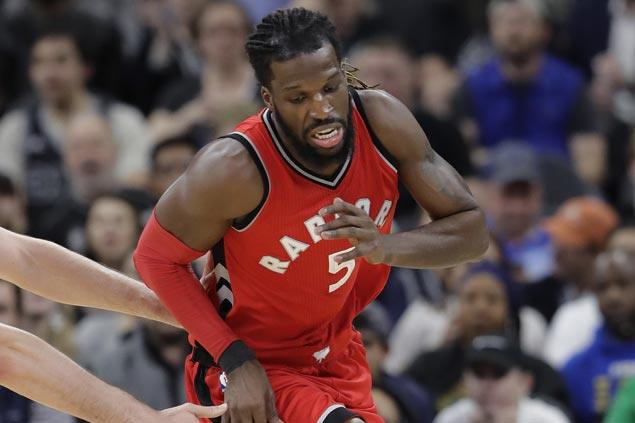 Raptors stretch streak to three with rout of struggling Knicks