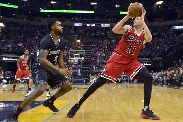 Doug McDermott waxes hot early, Jimmy Butler comes through late as Bulls edge Grizzlies