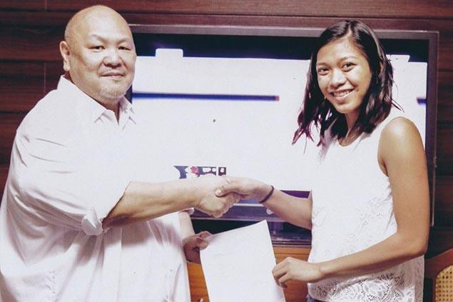 Alyssa Valdez set to fly back from Thailand to attend Cebu, Davao tryouts for PH team