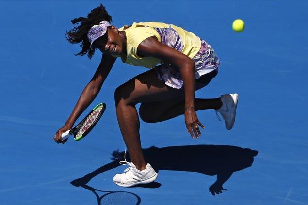 Venus Williams waltzes past Stefanie Voegele and into third round at Australian Open