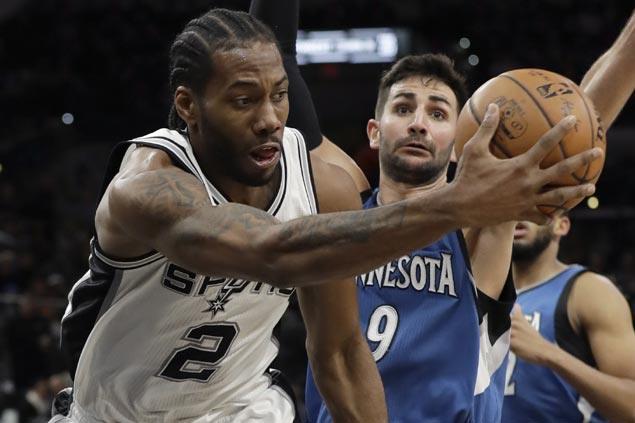 Kawhi Leonard's fourth straight 30-point game powers Spurs past skidding Timberwolves