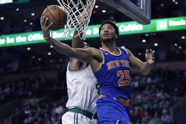 Derrick Rose scores 30 as Knicks halt two-game skid with win over Celtics