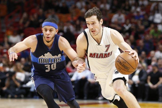Goran Dragic takes charge late as Miami rallies past Dallas to snap Mavs three-game win run