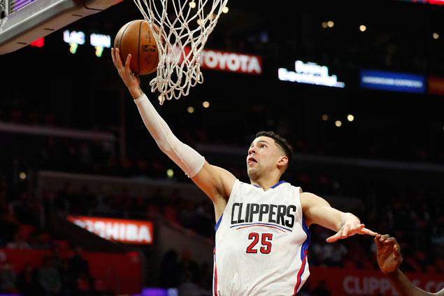 Austin Rivers, Jamal Crawford take charge as Clippers ground Hawks to end two-game skid