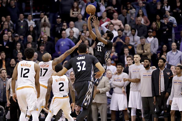 Andrew Wiggins buzzer beater lifts Timberwolves to victory over Suns