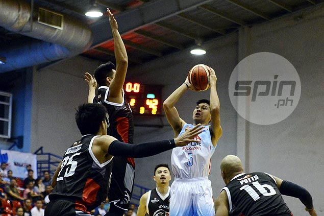 Juami Tiongson targets PBA comeback while making most of stint with AMA Online