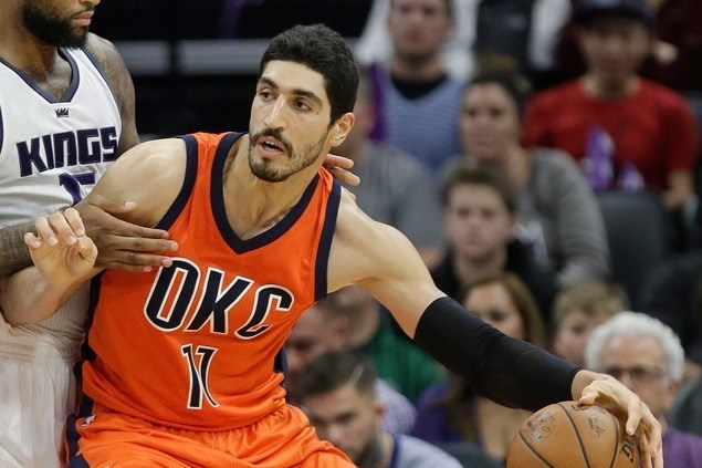 Chair 1, Kanter 0: OKC big man fractures right forearm after punching chair in bench