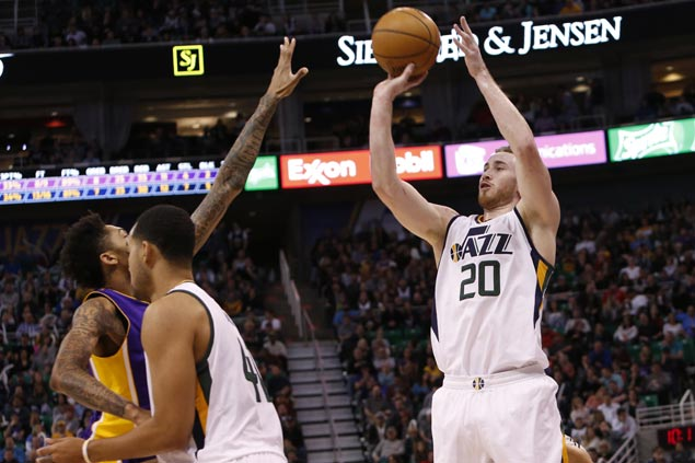 First-time All-Star Gordon Hayward leads Jazz to douse slumping Lakers late rally