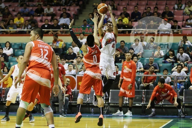 Kevin Racal comes out of shell as Alaska rips Phoenix to clinch playoff spot